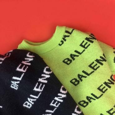バレンシアガ  犬着服 ペット服 ブランド ニットセーター  BALENCIAGA 暖かい 愛猫グッズ おしゃれ ドッグウェア かわいい トレーナー 猫の服 小型犬 ペットウェア 秋冬着 高品質