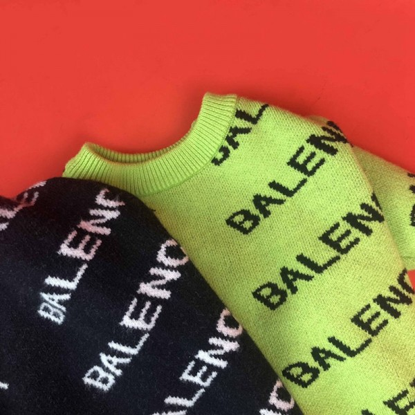 バレンシアガ  着服 ペット犬服 ブランド ニットセーター  愛猫グッズ BALENCIAGA おしゃれ ドッグウェア かわいい 暖かいトレーナー 猫の服 小型犬 ペットウェア 秋冬着 高品質