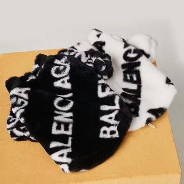 バレンシアガ ブランド ペットウェア 犬服 balenciaga ペット冬服 フラネル ジャケット 保温 暖かい ファスナー開閉 ふわふわ 猫オーバー 防寒 かわいい 洋服 お出かけ 注目 韓国