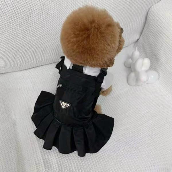 プラダ ブランド ペットウェア 用品 犬服 ドッググッズ 犬用 tシャツ ワンちゃ ん Prada ワンピース 黒白 ファッション 犬のバッグ ペット バンダナ 流行装い かわいい 中小型ペット 用品