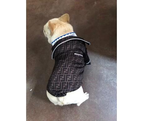 ブランド フェンディ dior 犬服と バーバリー ペット ベッド