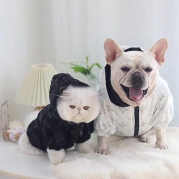 ハイブランド lv コピー ペットウェア ペット用品 ルイヴィトン風 犬ジャケット 春秋服 かわいい 猫服 ブランド パロディー 犬服 ペットマウンテンパーカー 超薄 犬猫 トップコート フード付き 防風 防水 ファスナー付き 着こなしやすい