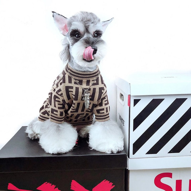 Fendi ペット ドッグウェアフェンディ猫 冬洋服犬  FF柄おでかけコート