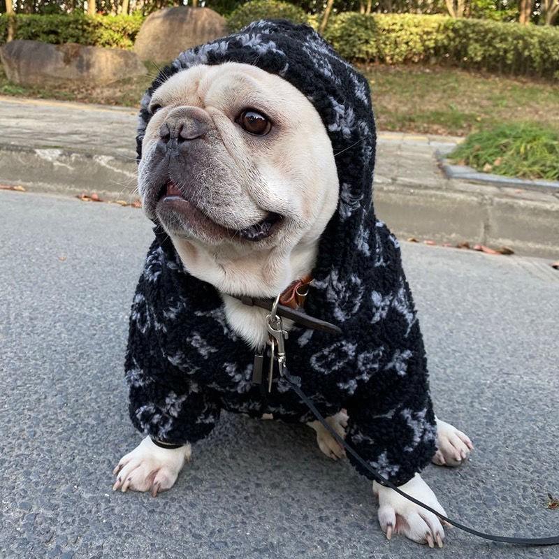 ルイヴィトン犬用 ブルドッグ 犬 洋服 ブランド偽物 韓国 犬服 パロディスーパーコピー ペット用品