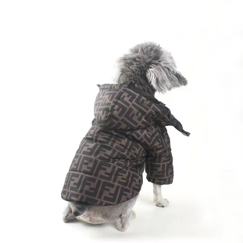 fendiブランドペット冬着暖かい保温秋冬向けペット服